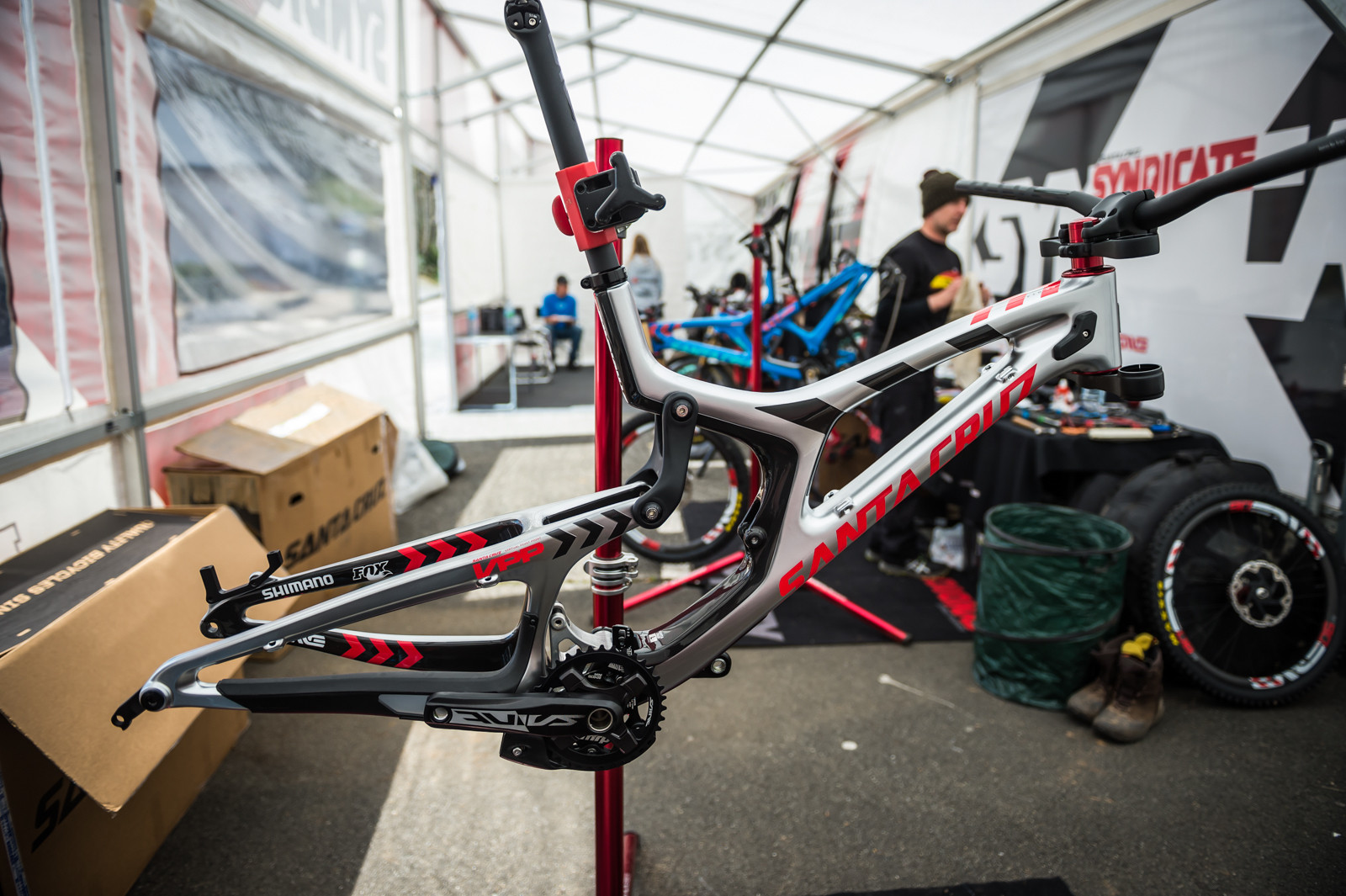 Syndicate Steeds - PIT BITS - 2016 Lourdes World Cup Downhill - Mountain Biking Pictures - Vital MTB