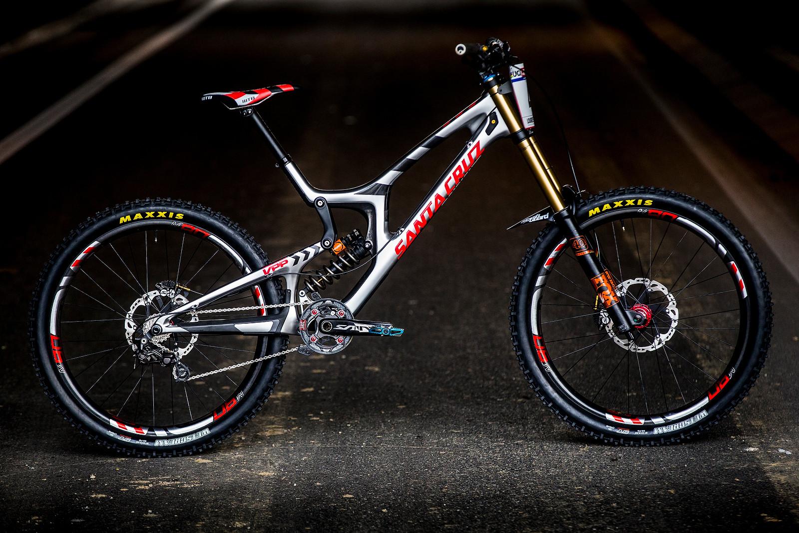Greg Minnaar's Santa Cruz V10cc All Built Up - PIT BITS - 2016 Lourdes World Cup Downhill - Mountain Biking Pictures - Vital MTB