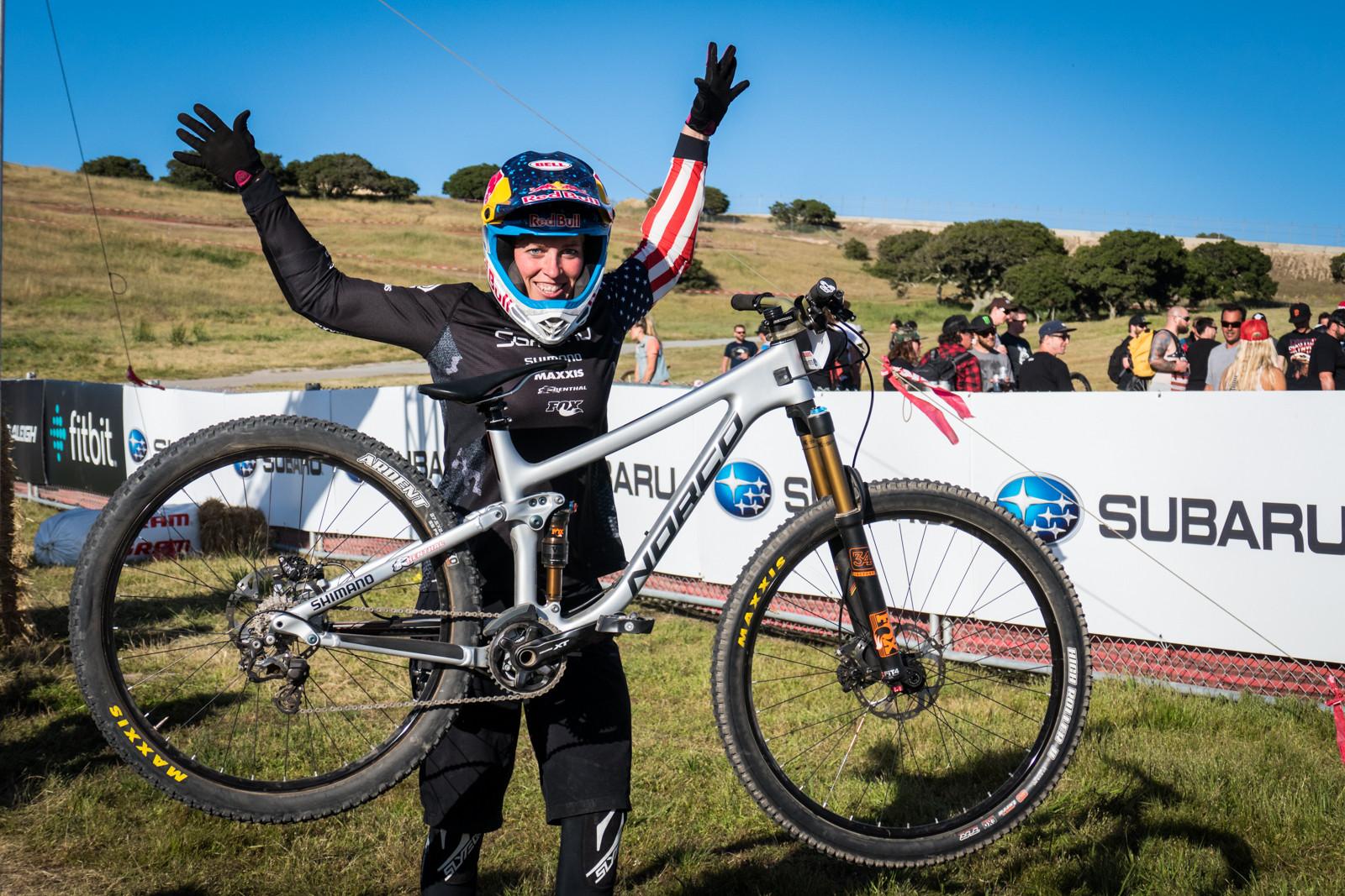 WINNING BIKE - Jill Kintner's Norco Optic Carbon 7 - WINNING BIKE - Jill Kintner's Norco Optic Carbon 7 - Mountain Biking Pictures - Vital MTB