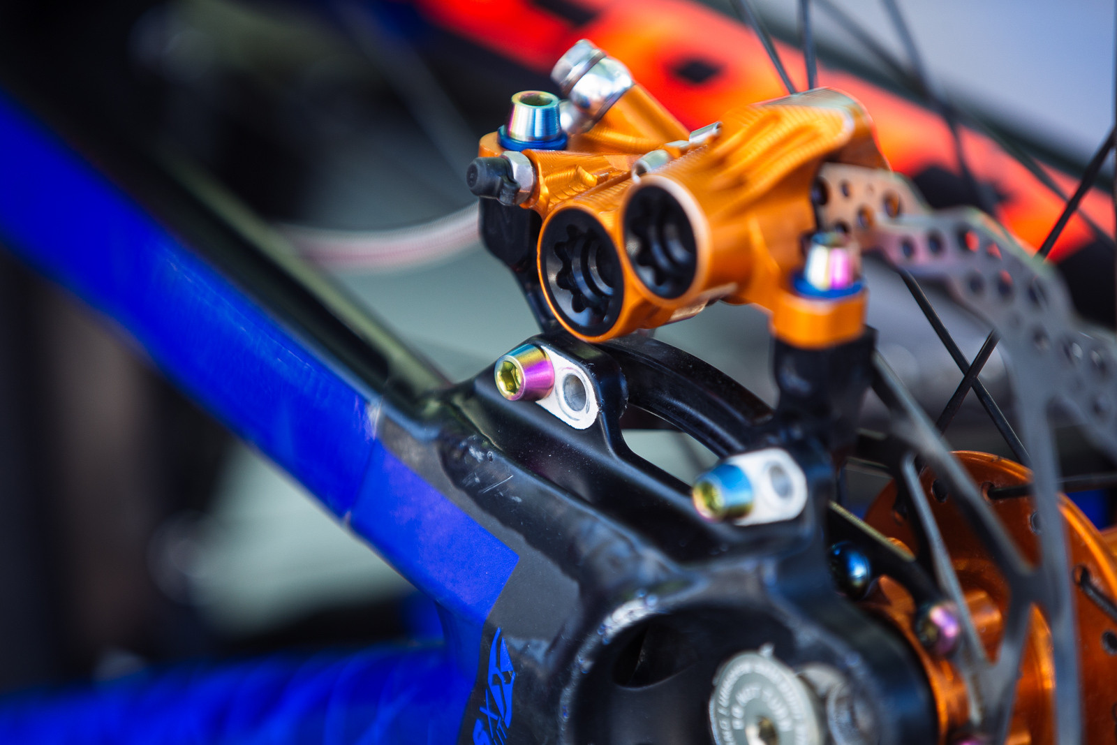 Tie-dye Ti bolts on Adam Brayton's Gambler - PIT BITS - BDS Fort William - Mountain Biking Pictures - Vital MTB