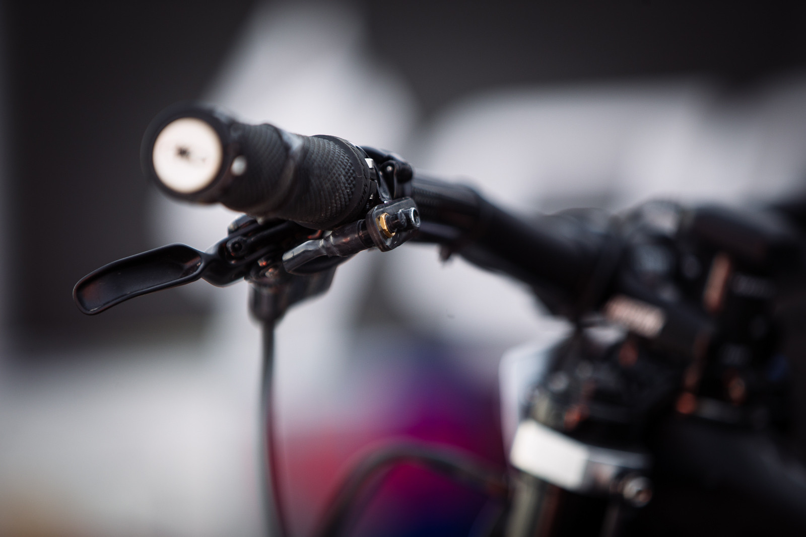 Telemetry Trigger on Loic's Bike - PIT BITS - BDS Fort William - Mountain Biking Pictures - Vital MTB