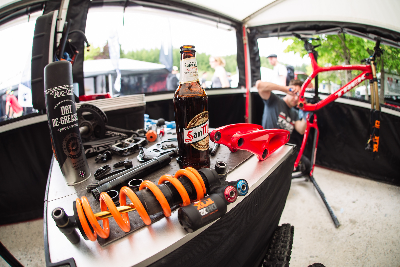 Atherton Pits Secret Sauce is Beer - PIT BITS - Fort William World Cup - Mountain Biking Pictures - Vital MTB