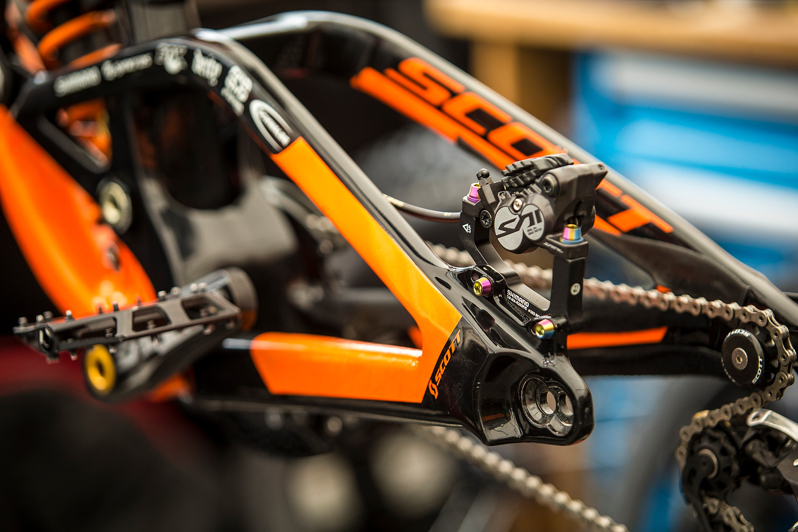 Shiny, Happy Pieces - PIT BITS from Leogang - PIT BITS - Leogang World Cup - Mountain Biking Pictures - Vital MTB