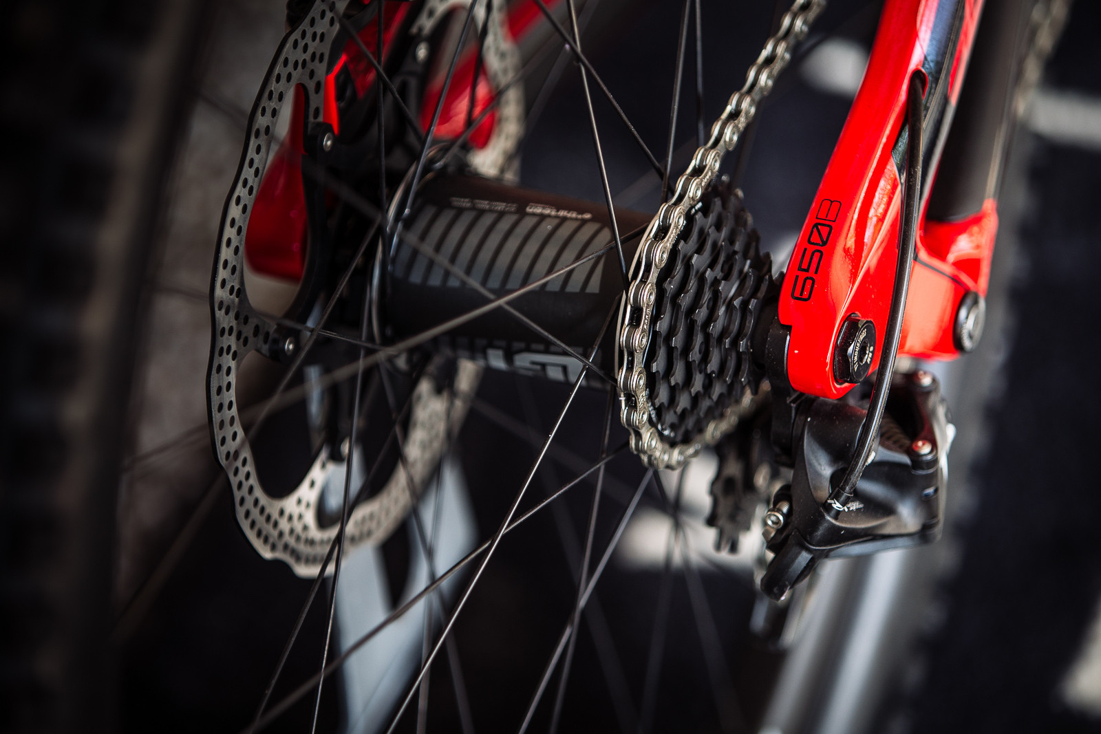 Aaron Gwin's e*thirteen Rear Wheel - PIT BITS - Leogang World Cup - Mountain Biking Pictures - Vital MTB