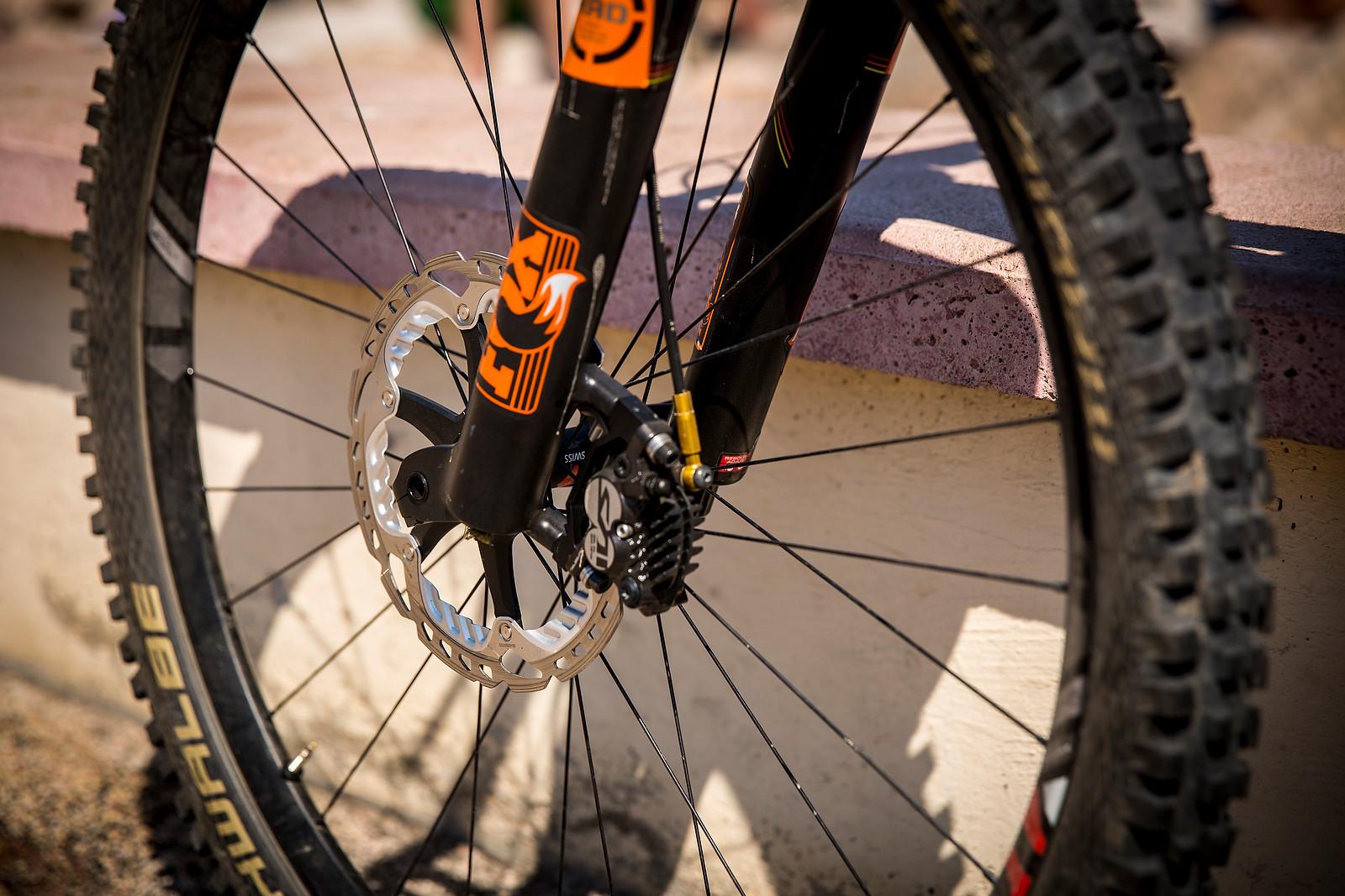 Shimano Saint Brakes on FOX 36 RC2 - WINNING BIKE: Nico Lau's Cube Stereo 140 29 - Mountain Biking Pictures - Vital MTB