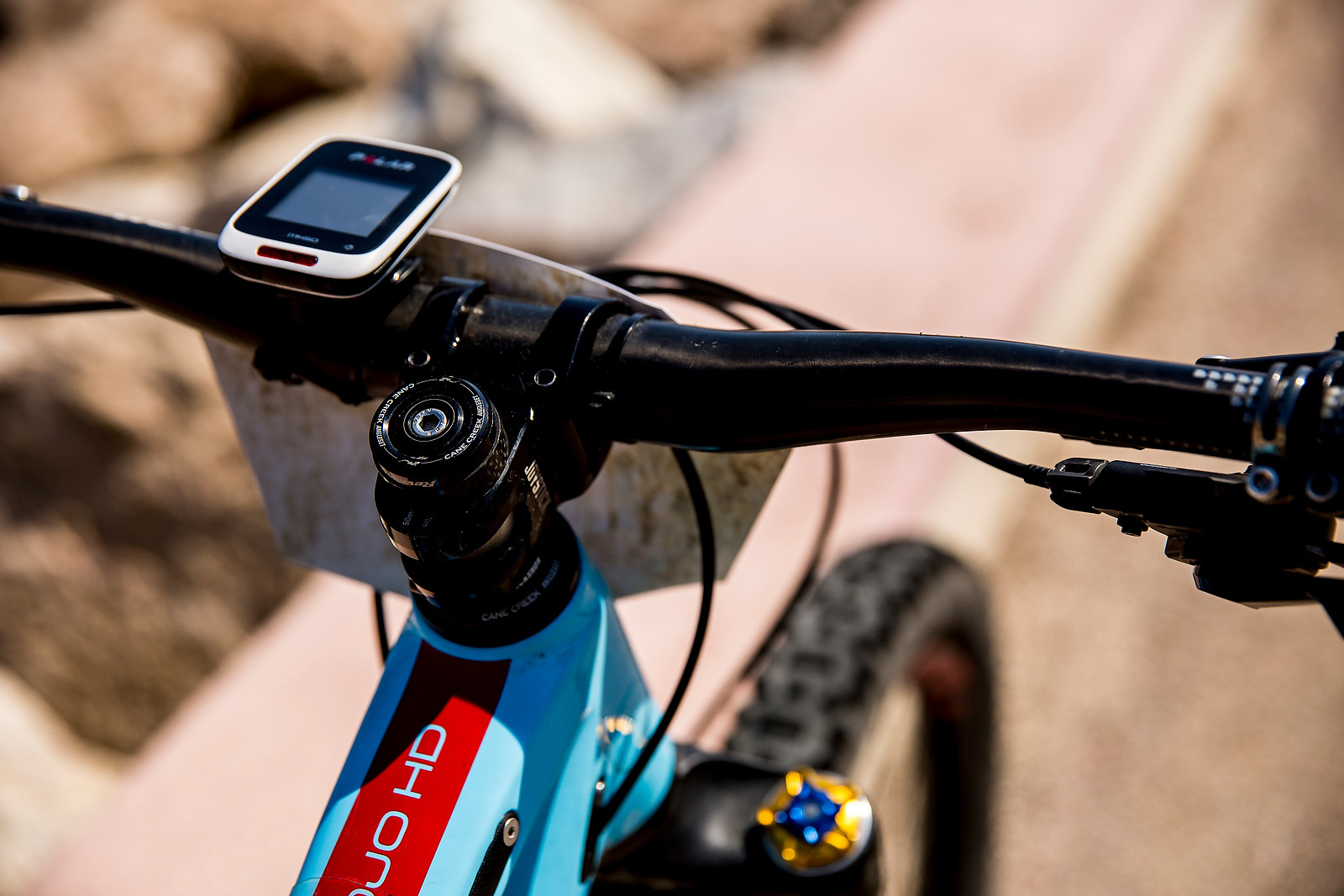Joystick Cockpit, Cane Creek Headset - WINNING BIKE: Anita Gehrig's Ibis Mojo HD3 - Mountain Biking Pictures - Vital MTB