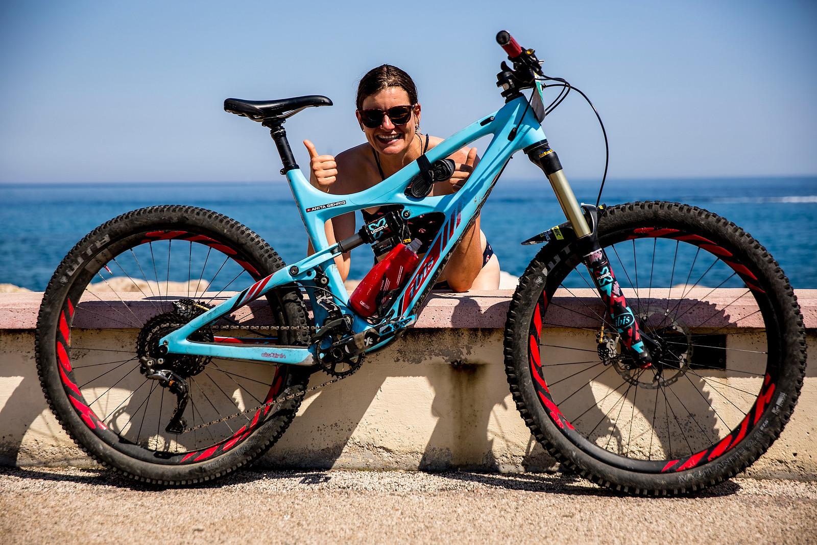 WINNING BIKE: Anita Gehrig's Ibis Mojo HD3 - WINNING BIKE: Anita Gehrig's Ibis Mojo HD3 - Mountain Biking Pictures - Vital MTB
