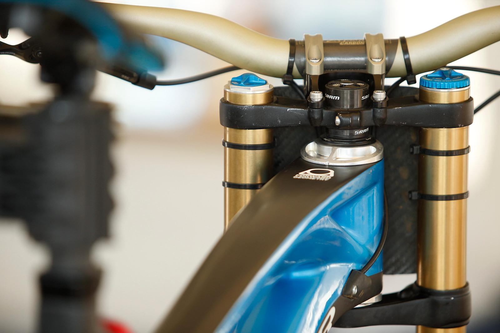 Mondraker Headset Cups - PIT BITS - Mont Sainte Anne World Cup - Mountain Biking Pictures - Vital MTB