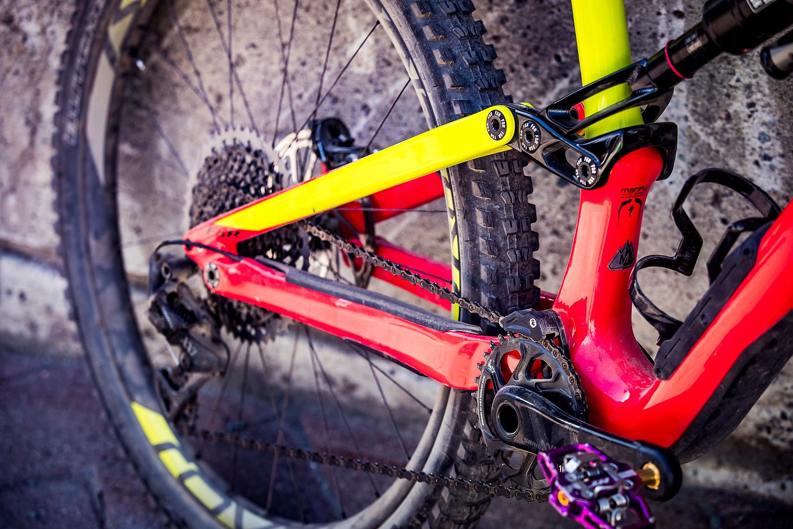2017 Specialized Enduro - PIT BITS - Enduro World Series, Whistler - Mountain Biking Pictures - Vital MTB