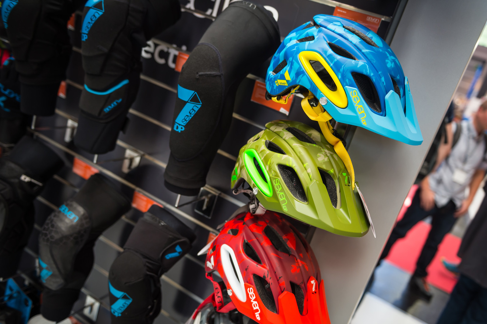 7iDP M2 and M4 Helmet and Transition Glove - EUROBIKE - 2017 Mountain Bike Apparel and Protective Gear - Mountain Biking Pictures - Vital MTB