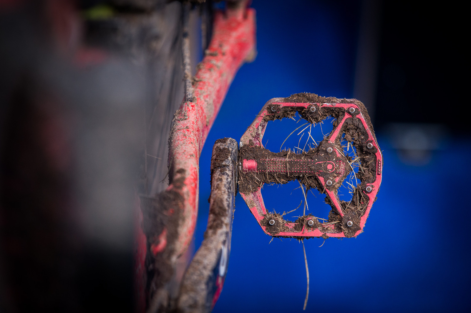 Keene on Flat Pedals - PIT BITS - Enduro World Series, Valberg - Mountain Biking Pictures - Vital MTB