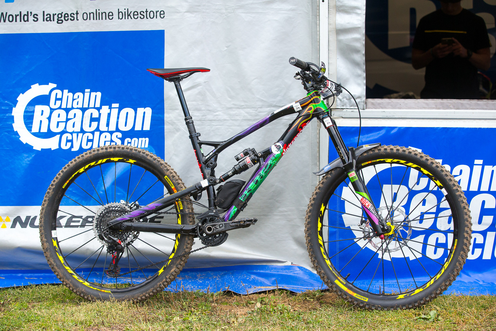 Sam Hill's Grave Digger Nukeproof Mega 275 - Pro Bike Check - Sam Hill's Grave Digger Nukeproof - Mountain Biking Pictures - Vital MTB