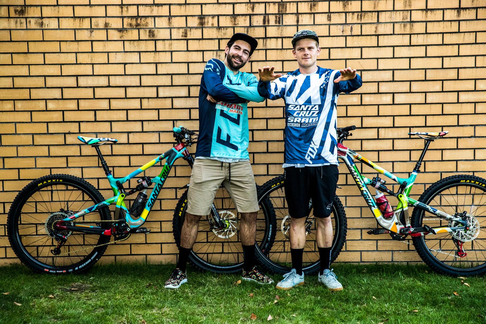 Iago Garay and Mark Scott - PIT BITS - Enduro World Series, Rotorua, New Zealand - Mountain Biking Pictures - Vital MTB