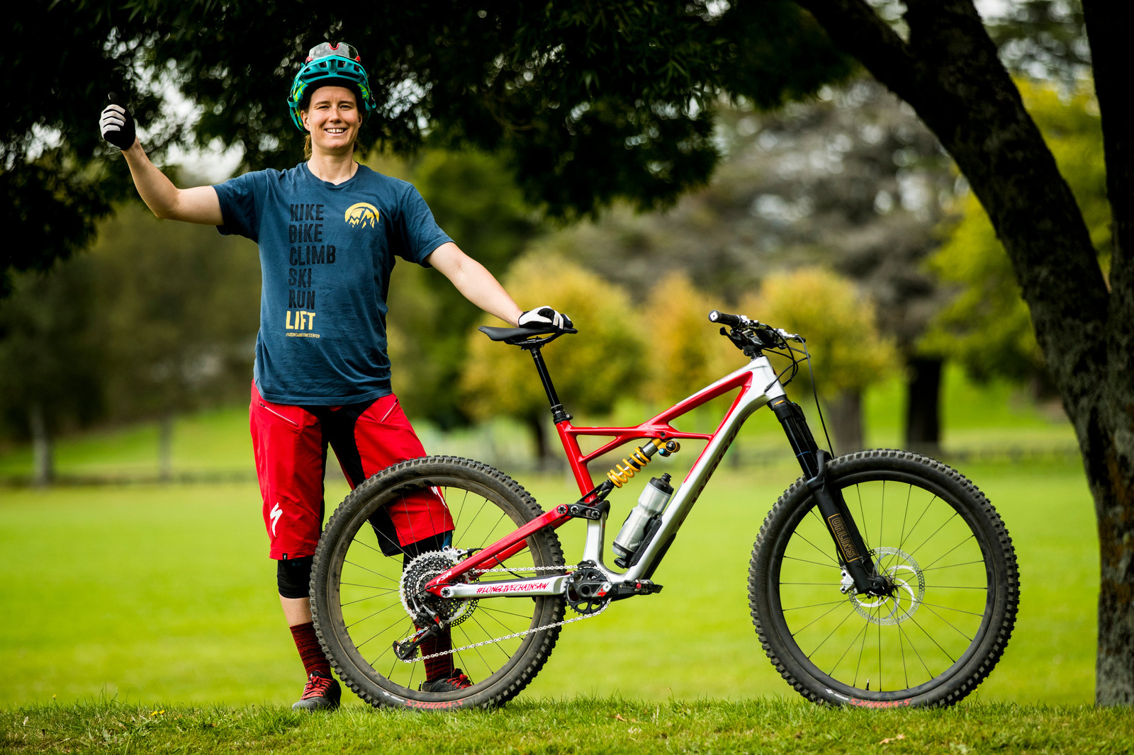 Miranda Miller with her Specialized Enduro - PIT BITS - Enduro World Series, Rotorua, New Zealand - Mountain Biking Pictures - Vital MTB
