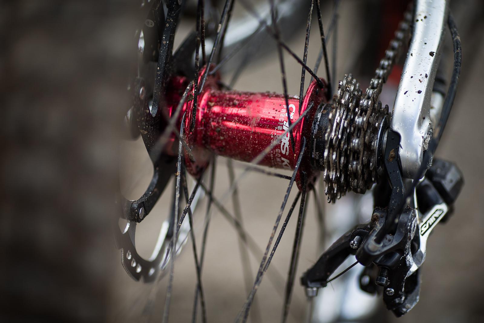 Chris King Hubs - WINNING BIKE: Greg Minnaar's Santa Cruz V10 29er - Mountain Biking Pictures - Vital MTB