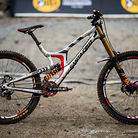 WINNING BIKE: Greg Minnaar's Santa Cruz V10 29er