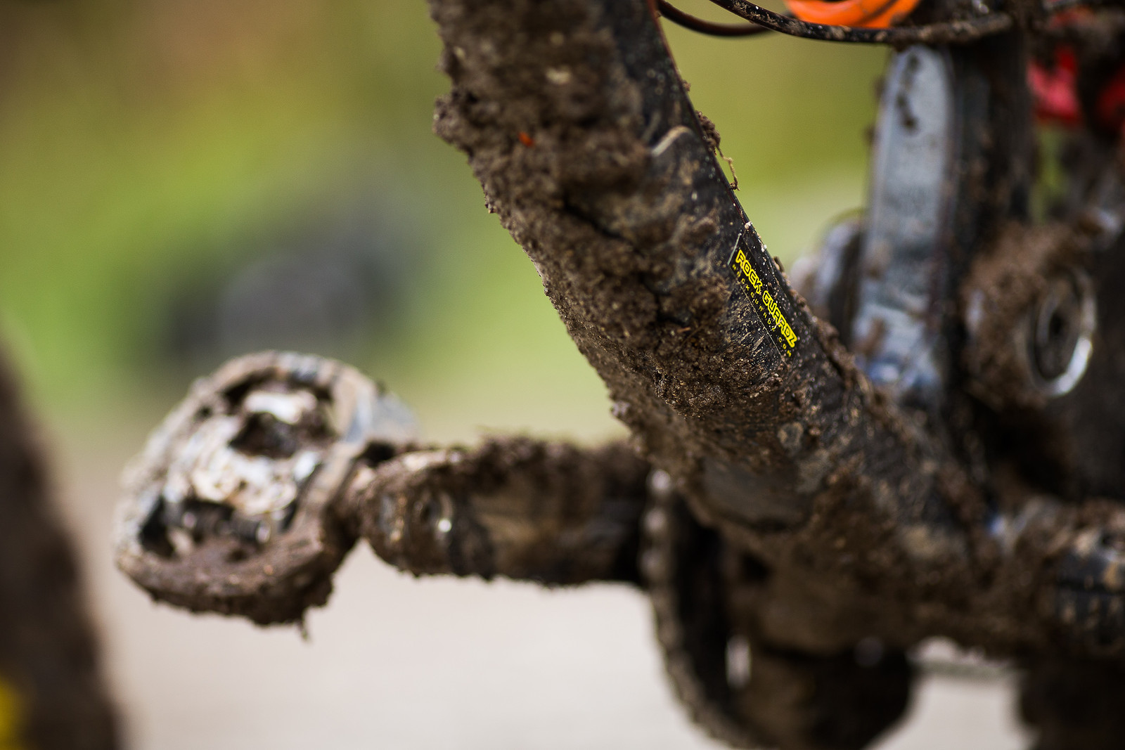 Clipless Pedals Win Medals - WINNING BIKE: Matt Walker's Saracen Myst - Mountain Biking Pictures - Vital MTB