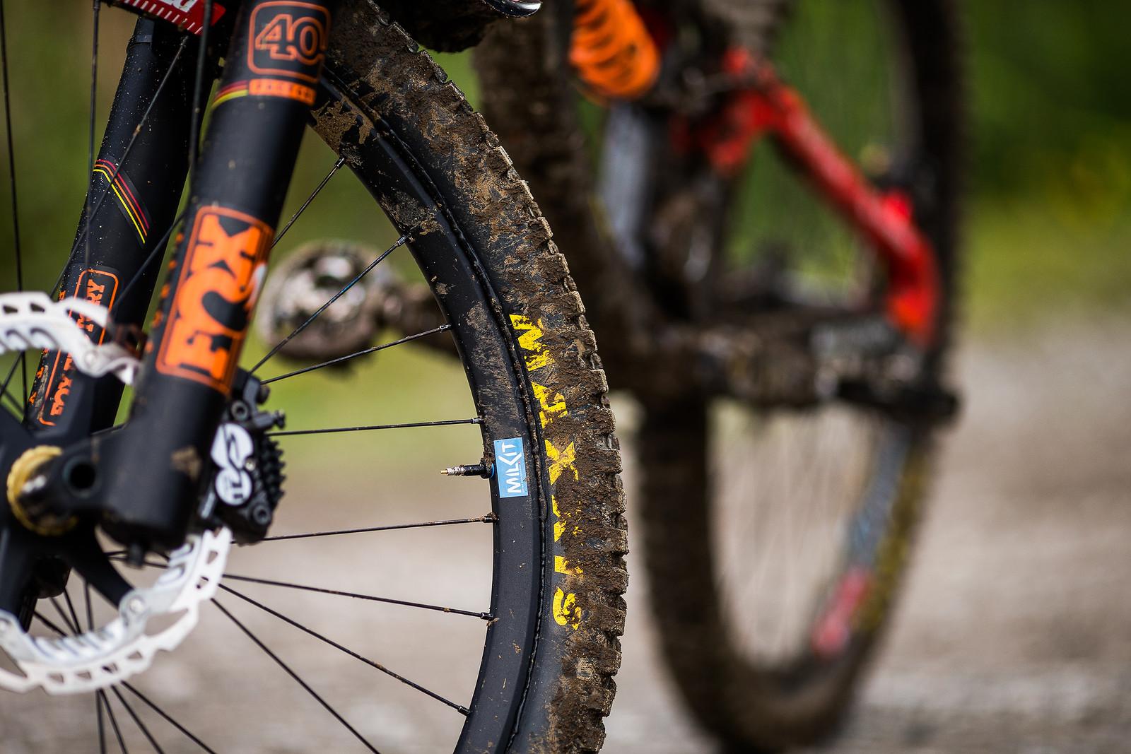 Milkit - WINNING BIKE: Matt Walker's Saracen Myst - Mountain Biking Pictures - Vital MTB