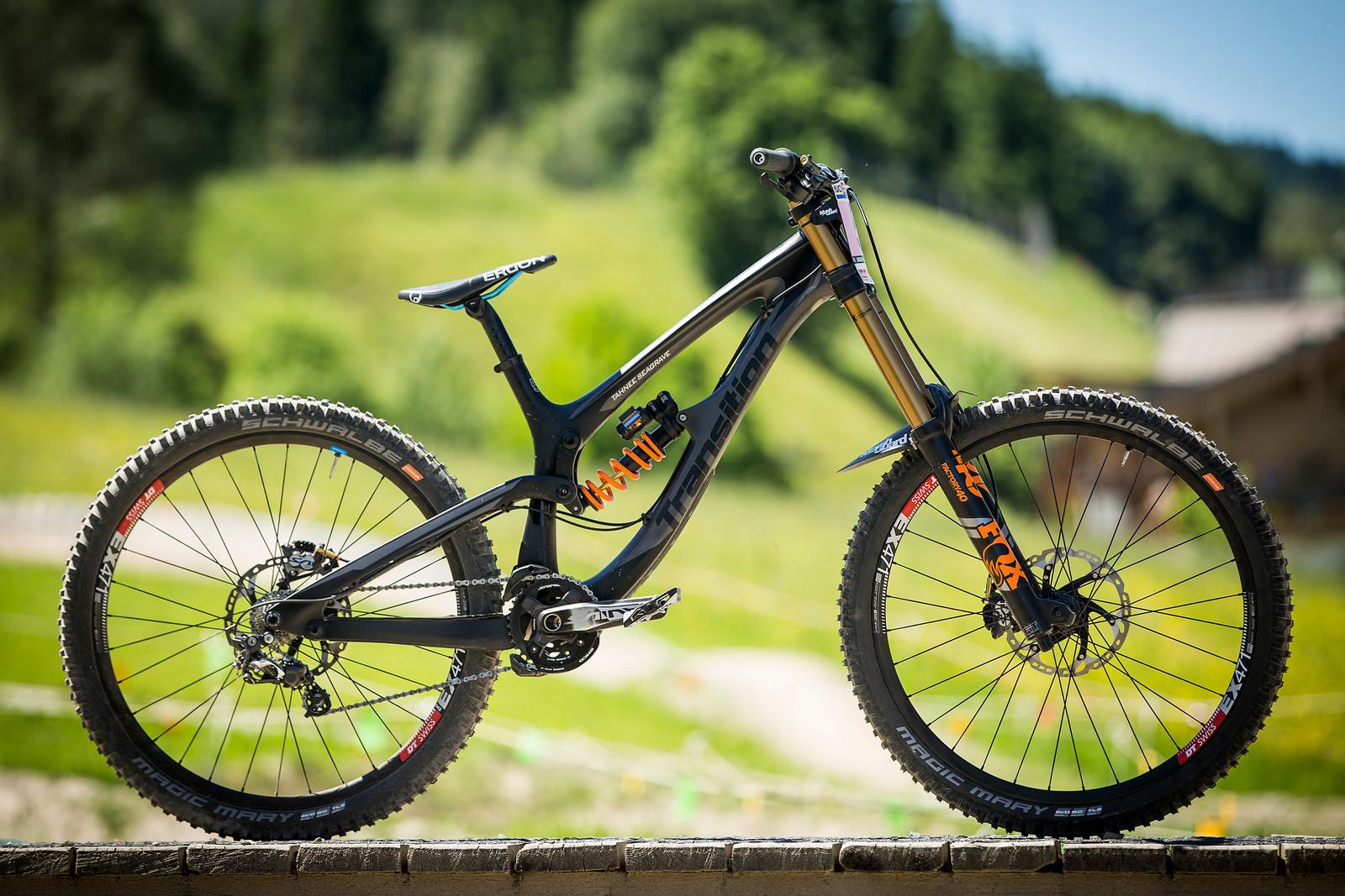 WINNING BIKE: Tahnee Seagrave's Prototype Transition - WINNING BIKE: Tahnee Seagrave's Prototype Transition - Mountain Biking Pictures - Vital MTB