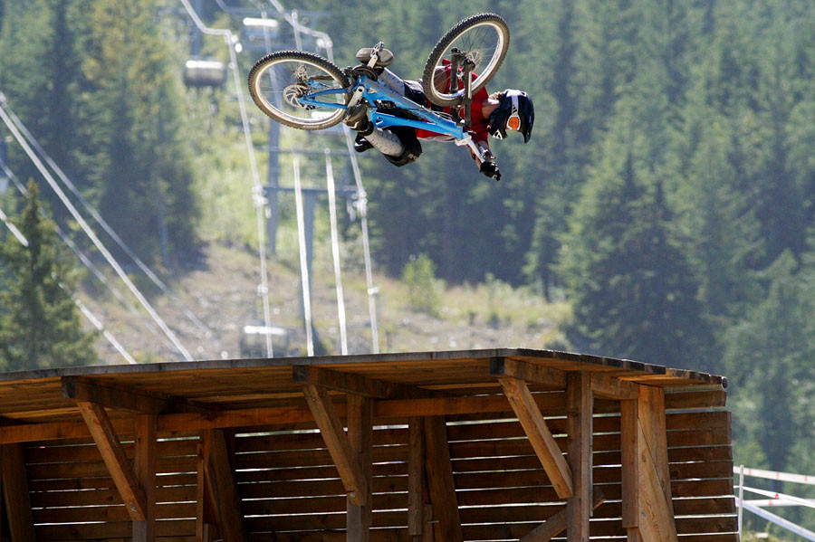 Crankworx 2005, The Claw! - Crankworx of The Past - Photos from 2004-2007 - Mountain Biking Pictures - Vital MTB
