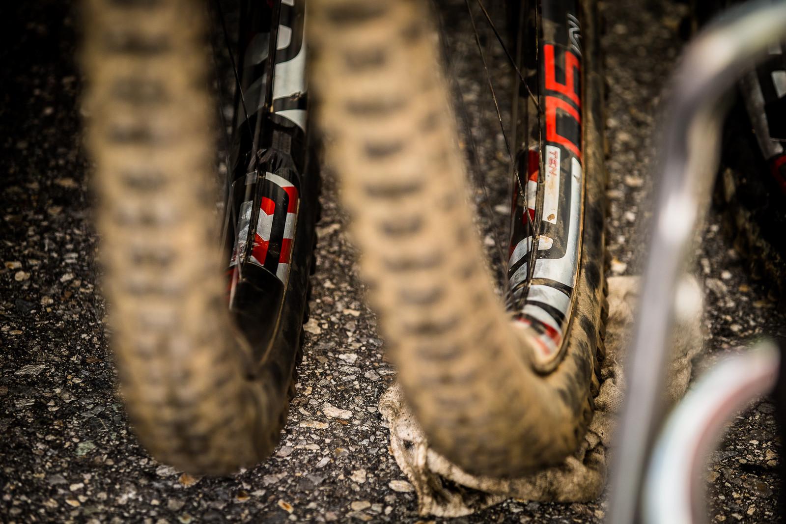 Extra Wide ENVE Rims? - PIT BITS - Lenzerheide World Cup DH - Mountain Biking Pictures - Vital MTB
