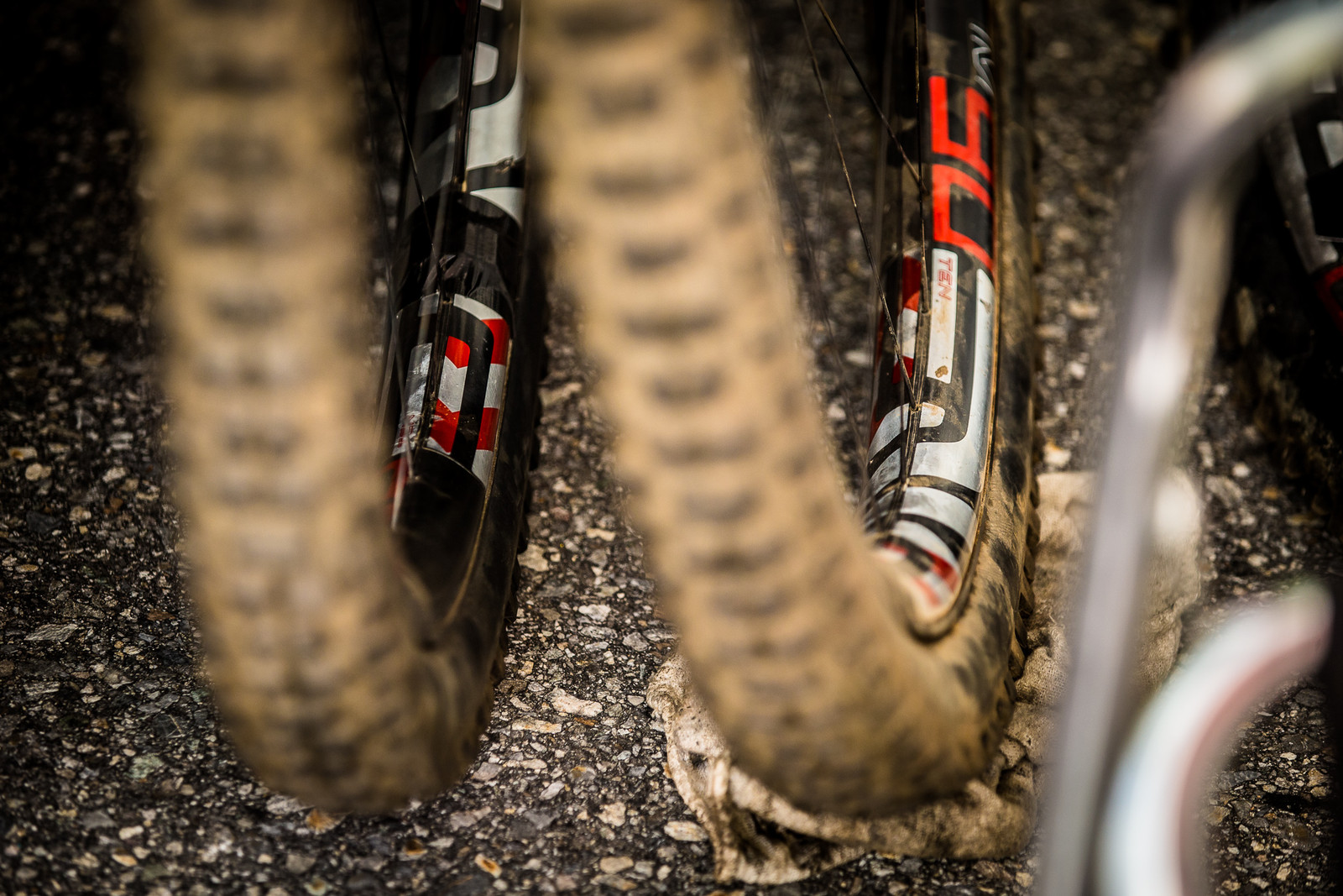 Extra Wide ENVE Rims? - PIT BITS - Lenzerheide World Cup DH - Mountain Biking Pictures - Vital MTB