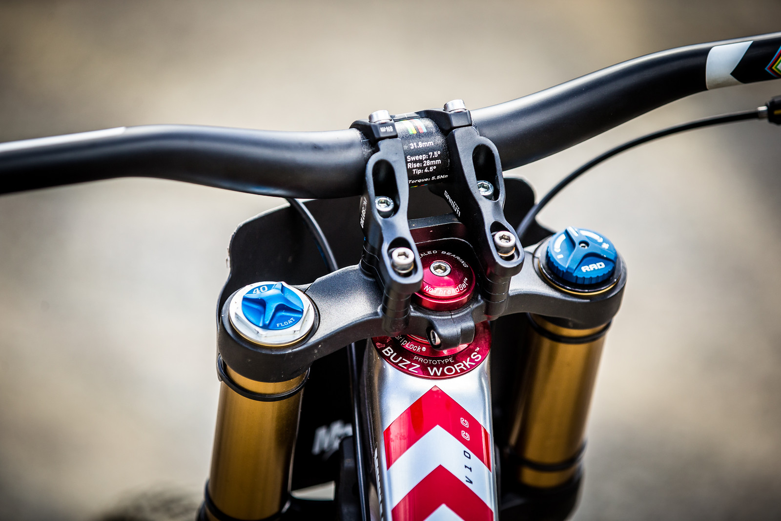 Greg Minnaar's Gamut Stem and Enve Handlebar - WINNING BIKE: Greg Minnaar's Santa Cruz V10 29er - Mountain Biking Pictures - Vital MTB