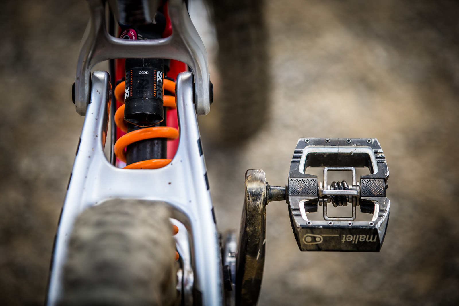 Crankbrothers Mallet DH Pedals - WINNING BIKE: Greg Minnaar's Santa Cruz V10 29er - Mountain Biking Pictures - Vital MTB