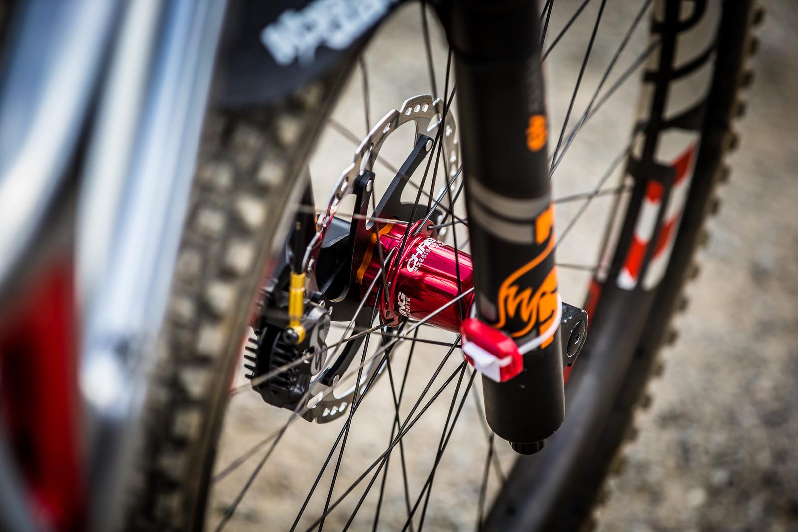 Chris King Prototype Hubs - WINNING BIKE: Greg Minnaar's Santa Cruz V10 29er - Mountain Biking Pictures - Vital MTB