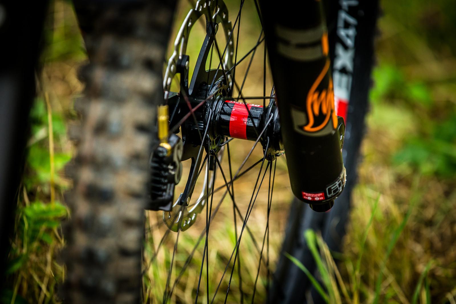 DT Swiss EX471 Wheels - WINNING BIKE: Tahnee Seagrave's Transition TR11 - Mountain Biking Pictures - Vital MTB