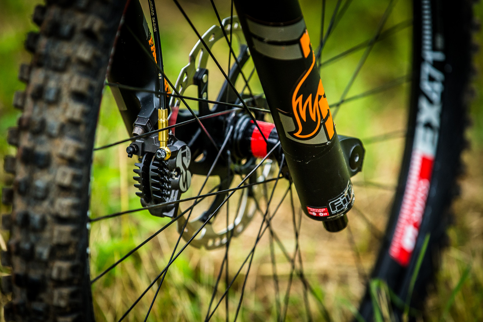 Shimano Saint Disc Brakes - WINNING BIKE: Tahnee Seagrave's Transition TR11 - Mountain Biking Pictures - Vital MTB