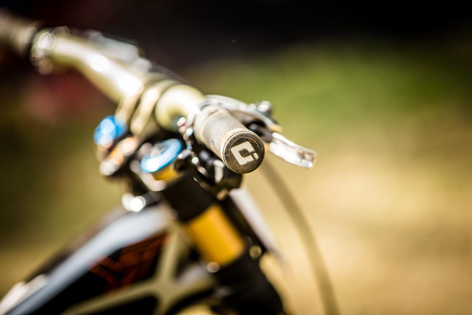 Aaron Gwin's ODI Grips - WINNING BIKE: Aaron Gwin's YT TUES - Mountain Biking Pictures - Vital MTB