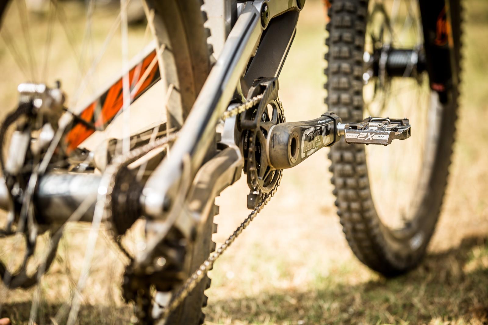 e*thirteen LG1r Carbon Cranks - WINNING BIKE: Aaron Gwin's YT TUES - Mountain Biking Pictures - Vital MTB