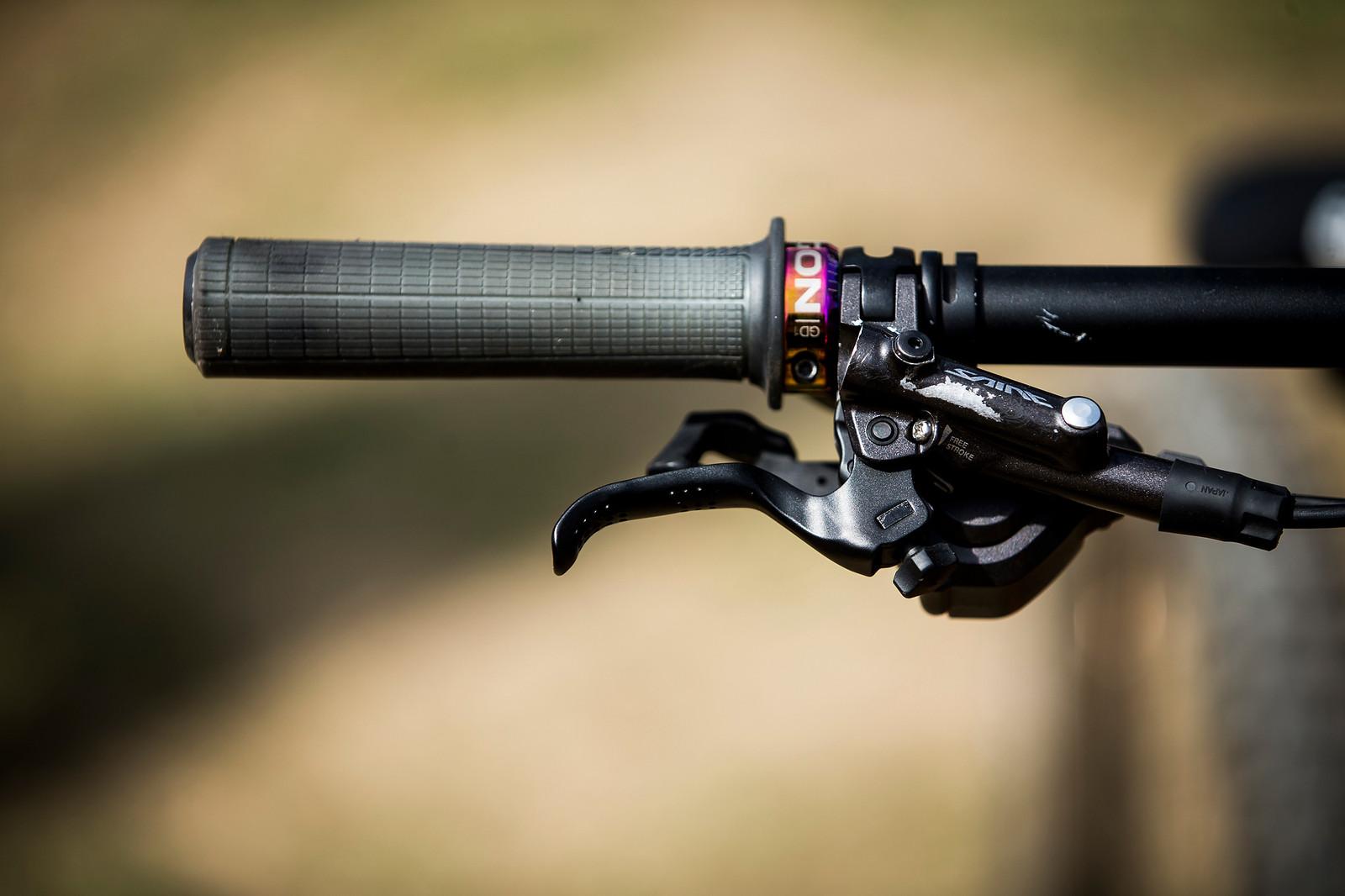Ergon GD1 Grips and Shimano Saint Brake Levers - WINNING BIKE: Tahnee Seagrave's Transition TR11 - Mountain Biking Pictures - Vital MTB
