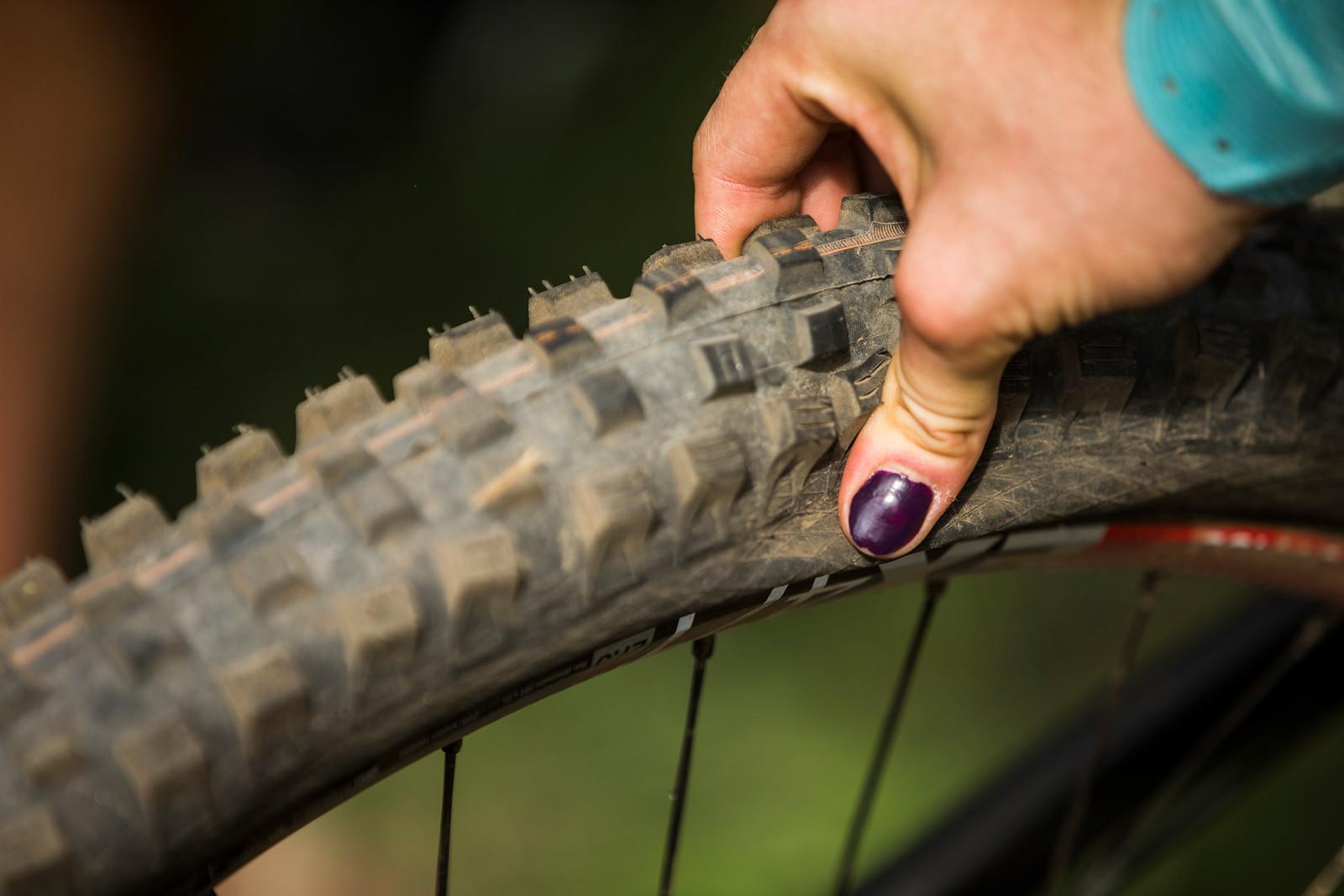 Tahnee Still Won Despite This Much Pressure at the Line - WINNING BIKE: Tahnee Seagrave's Transition TR11 - Mountain Biking Pictures - Vital MTB