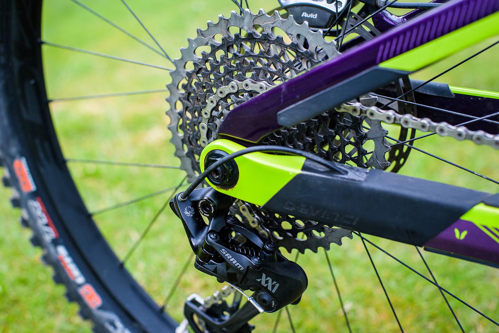 Split Pivot Suspension Platform - Pro Bike Check: Keegan Wright's Devinci Spartan Carbon - Mountain Biking Pictures - Vital MTB