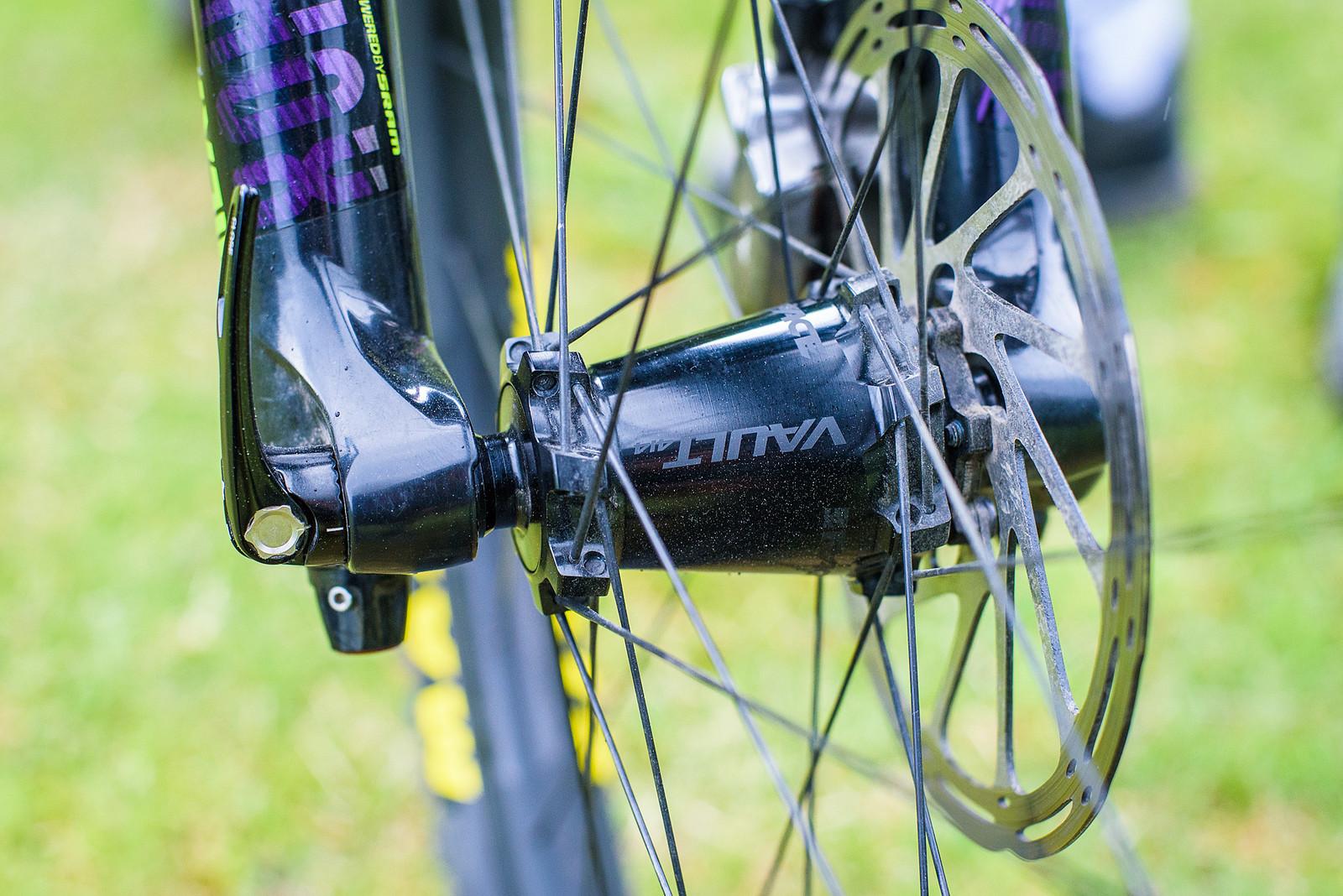 Race Face Turbine R Wheels - Pro Bike Check: Keegan Wright's Devinci Spartan Carbon - Mountain Biking Pictures - Vital MTB
