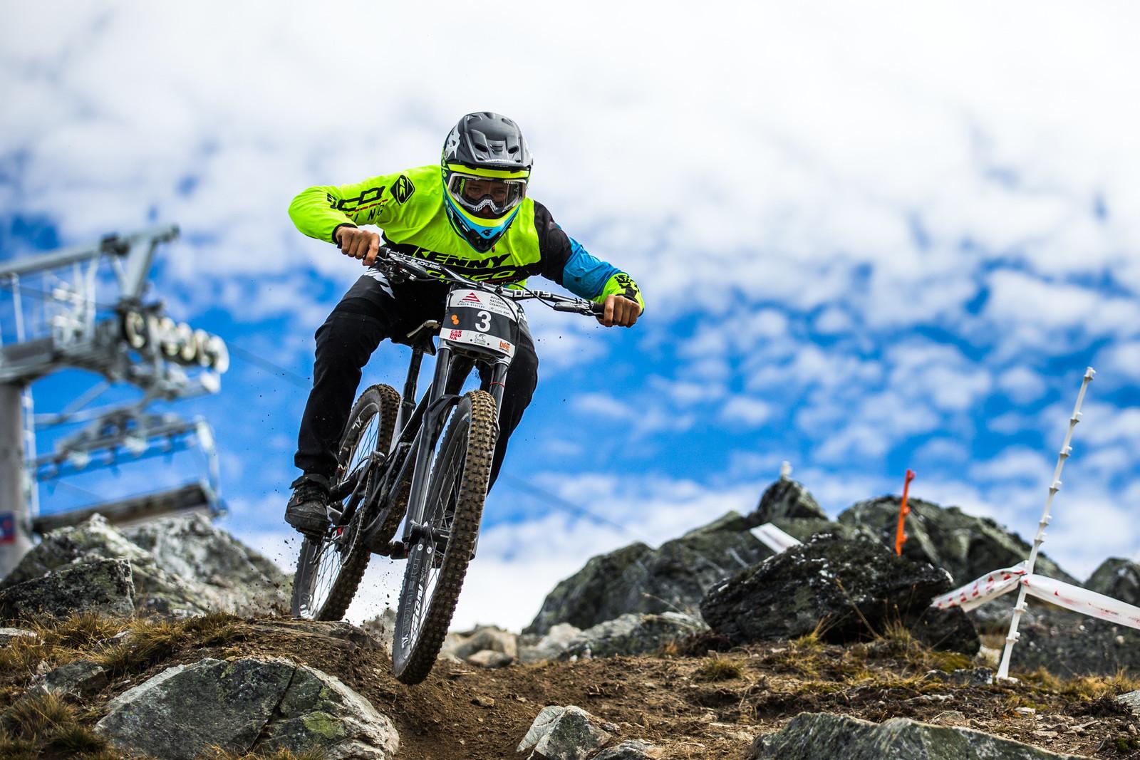 Sam Blenkinsop Running All Kinds of New Goodies - Blenki, Brook & More - 2018 NZ National Champs Day 1 - Mountain Biking Pictures - Vital MTB