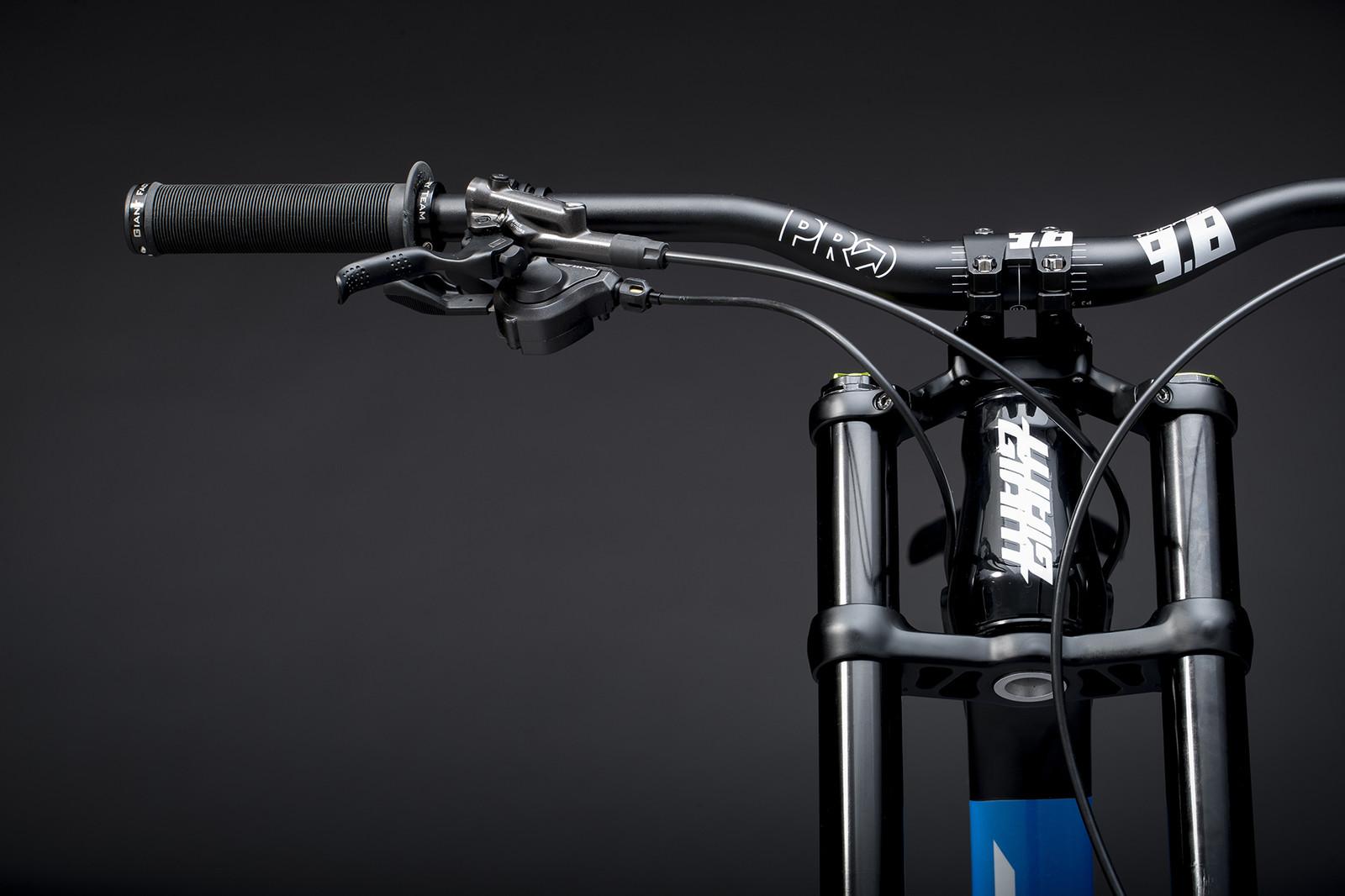 Marcelo Gutierrez's Giant Glory Advanced - Giant Factory Off-Road Team Bikes - Mountain Biking Pictures - Vital MTB