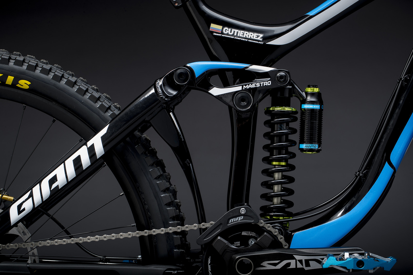 Marcelo Gutierrez's Giant Glory Advanced - Giant Factory Off-Road Team Bikes - Mountain Biking Pictures - Vital MTB
