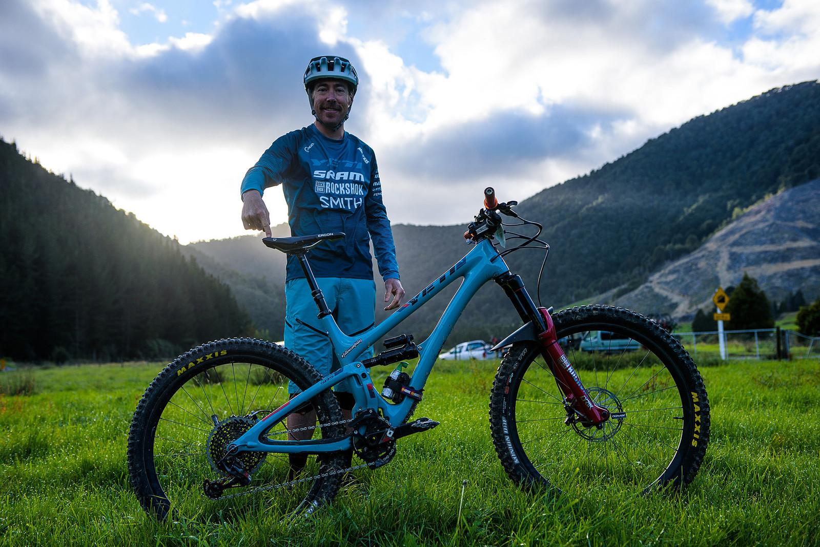 Nate Hills' Yeti SB5 with 2019 RockShox Lyrik - Nate Hills' Yeti SB5 with 2019 RockShox Lyrik - Mountain Biking Pictures - Vital MTB