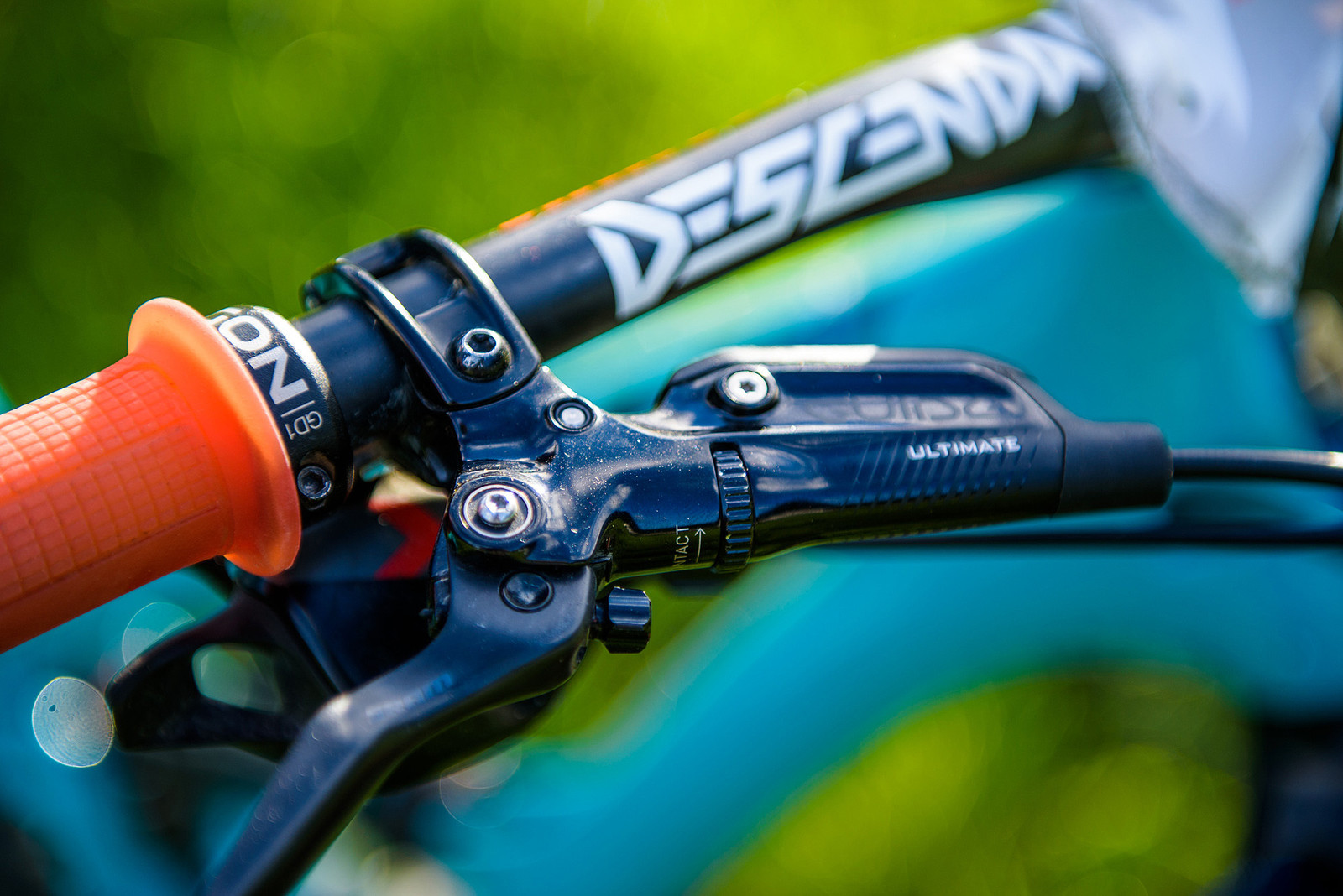 SRAM GUIDE RSC Brakes - Nate Hills' Yeti SB5 with 2019 RockShox Lyrik - Mountain Biking Pictures - Vital MTB