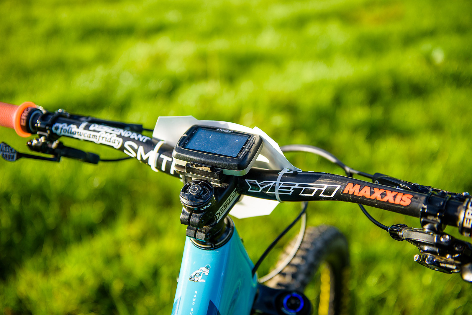 The New MTB Billboard - The Back of the Bars for #followcamfriday - Nate Hills' Yeti SB5 with 2019 RockShox Lyrik - Mountain Biking Pictures - Vital MTB