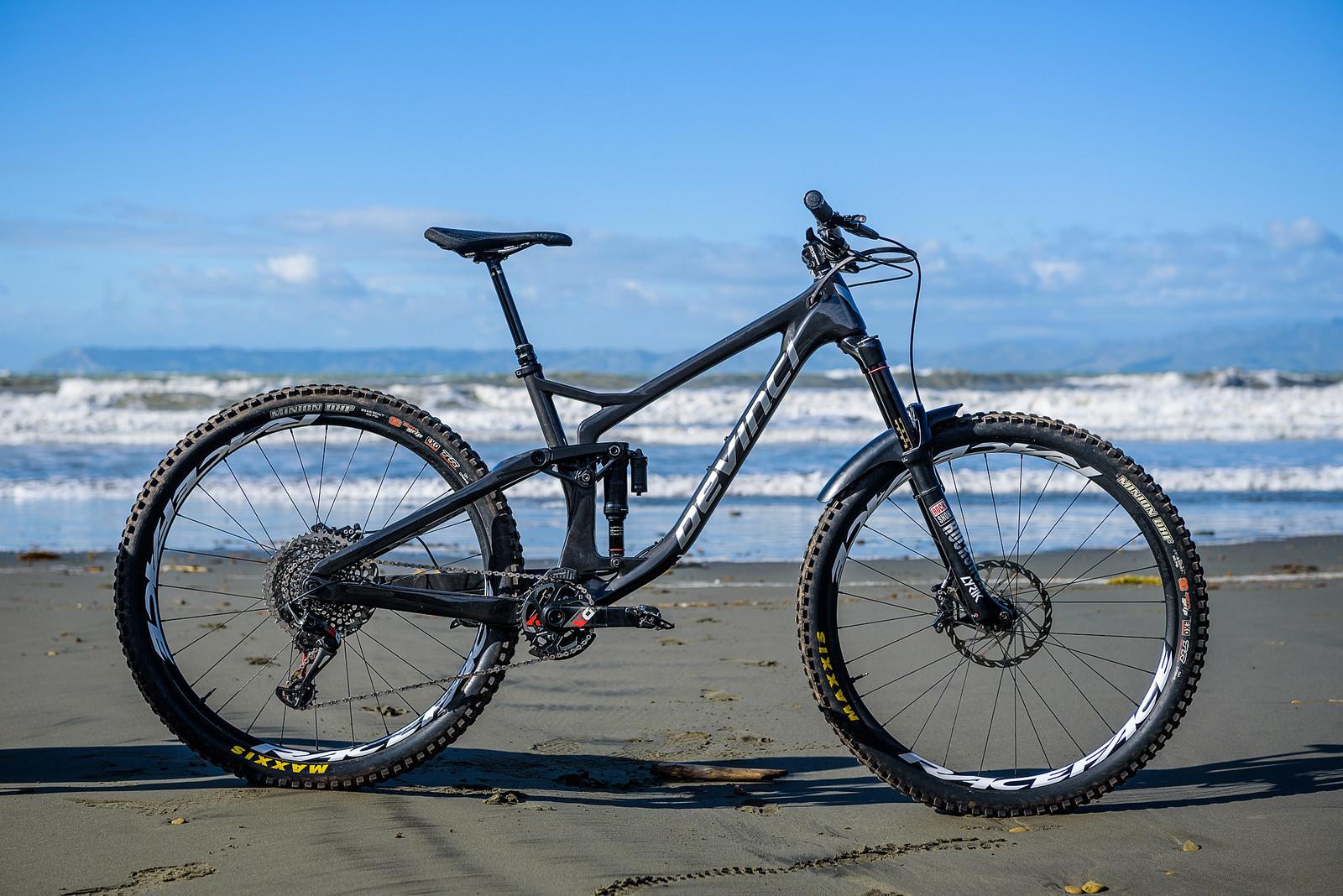 Keegan Wright's Prototype Devinci 29er Enduro Machine - Keegan Wright's Prototype Devinci 29er Enduro Machine - Mountain Biking Pictures - Vital MTB