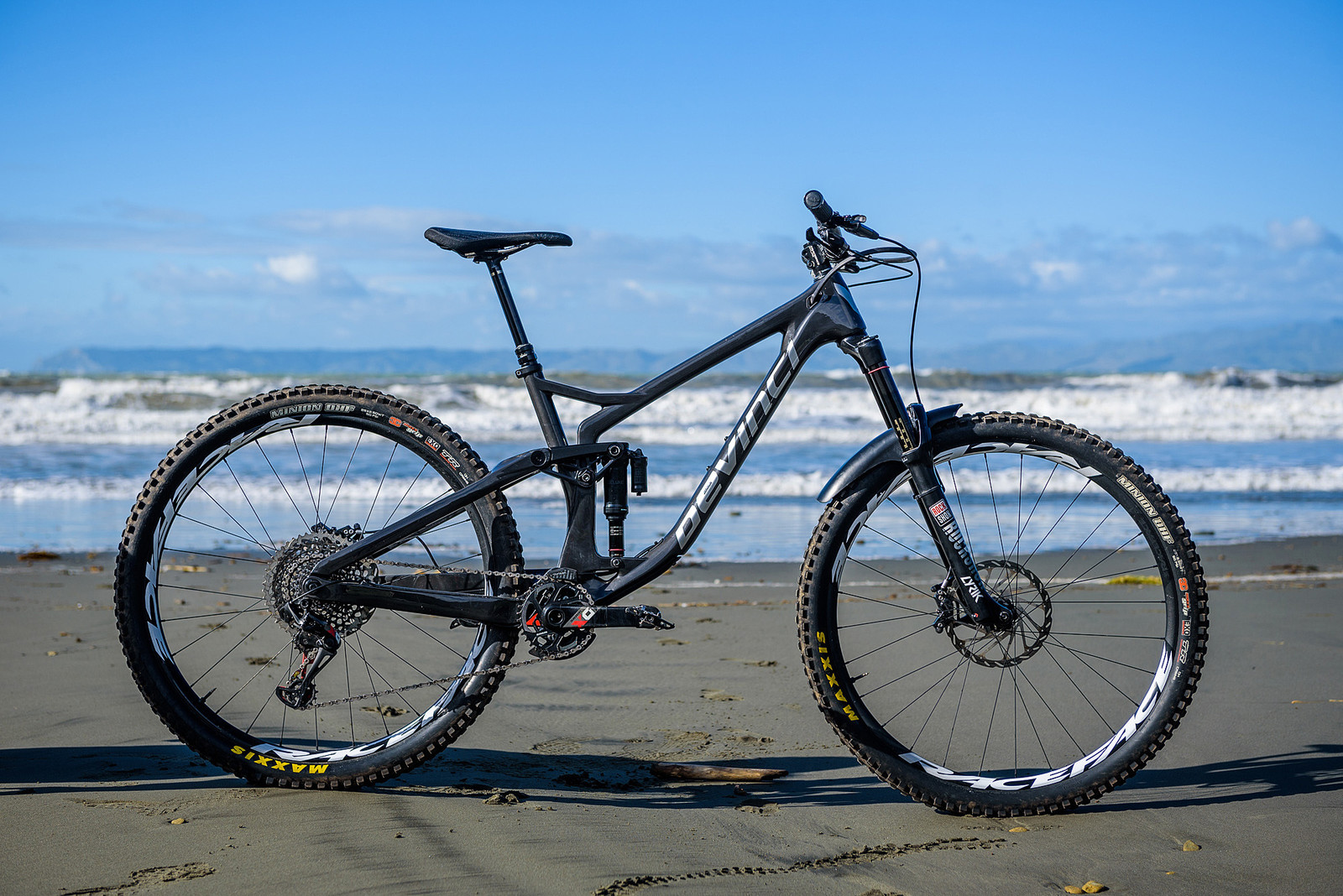 Keegan Wright's Prototype Devinci 29er Enduro Machine - Keegan Wright's Prototype Devinci 29er Enduro Machine - Mountain Biking Pictures - Vital MTB