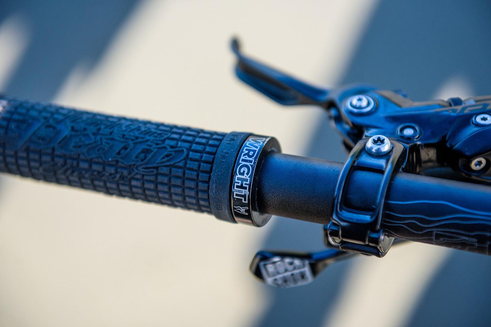 Lizard Skins Peaty Grips - Keegan Wright's Prototype Devinci 29er Enduro Machine - Mountain Biking Pictures - Vital MTB