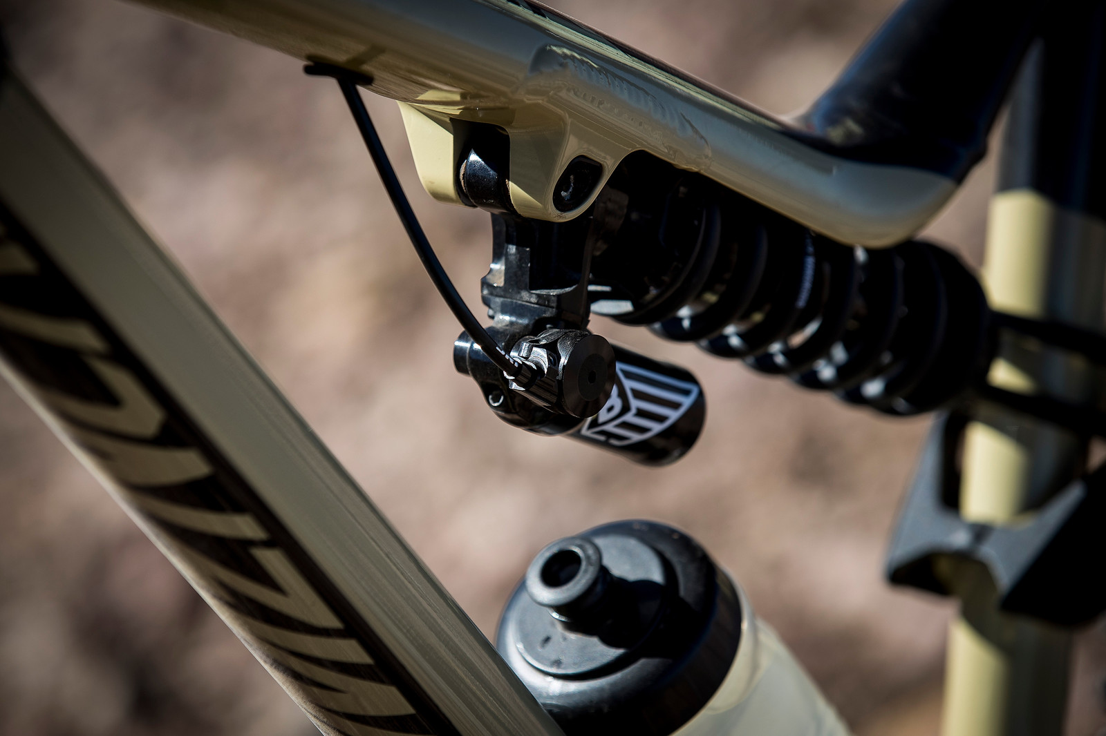 Cecile Ravanel's Commencal Meta AM V4.2 at the 2018 La Parva EWS - PIT BITS AND BIKES - Enduro World Series, Chile - Mountain Biking Pictures - Vital MTB