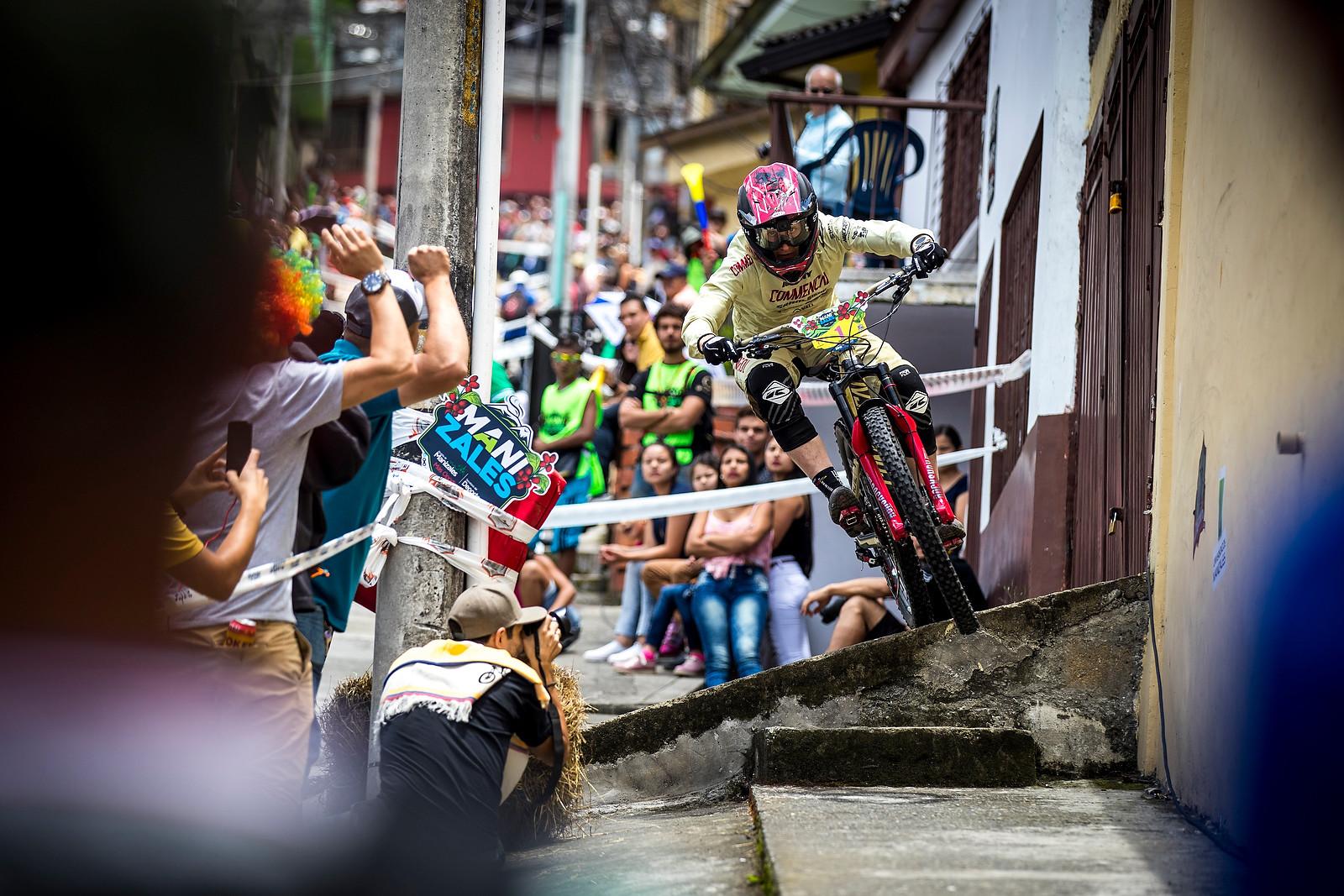 Cecile Ravanel - URBAN ENDURO! EWS Colombia - Mountain Biking Pictures - Vital MTB