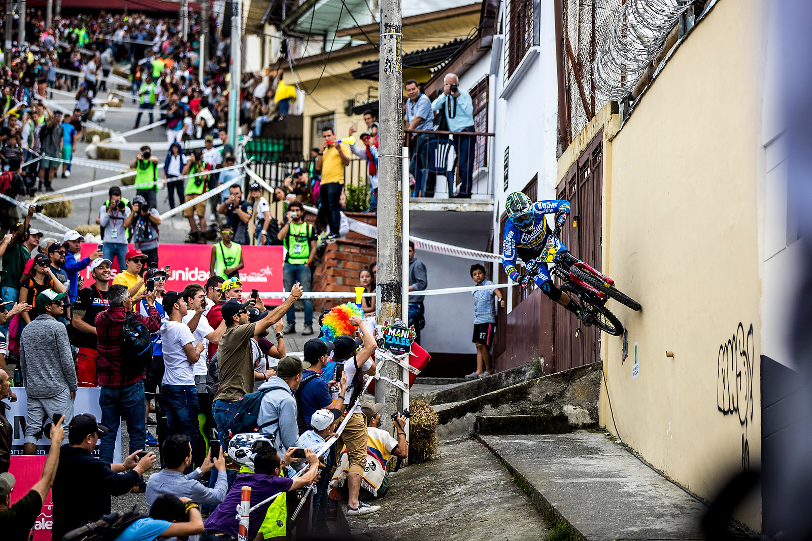 Sam Hill Wallrides - URBAN ENDURO! EWS Colombia - Mountain Biking Pictures - Vital MTB