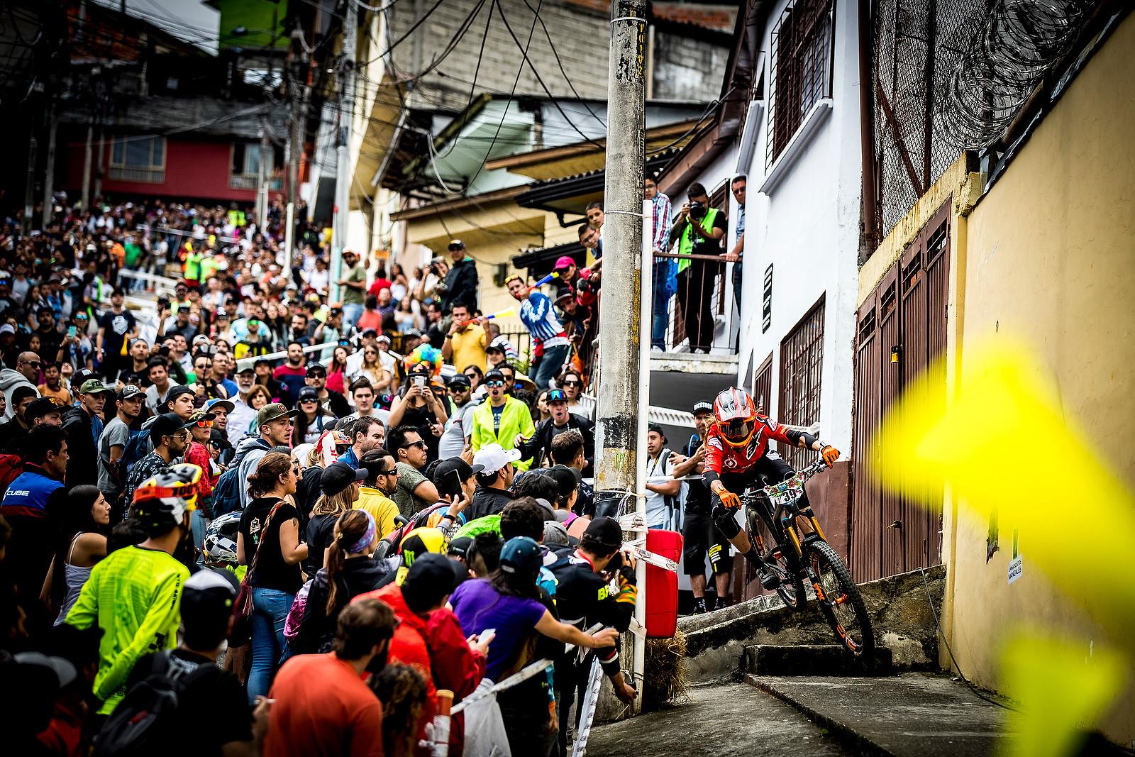 Anneke Beerten - URBAN ENDURO! EWS Colombia - Mountain Biking Pictures - Vital MTB